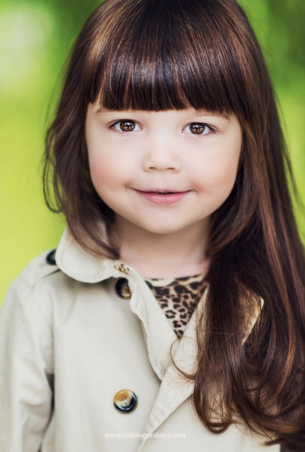 A beautiful brown eyed brown haired little girl. | Girl ...