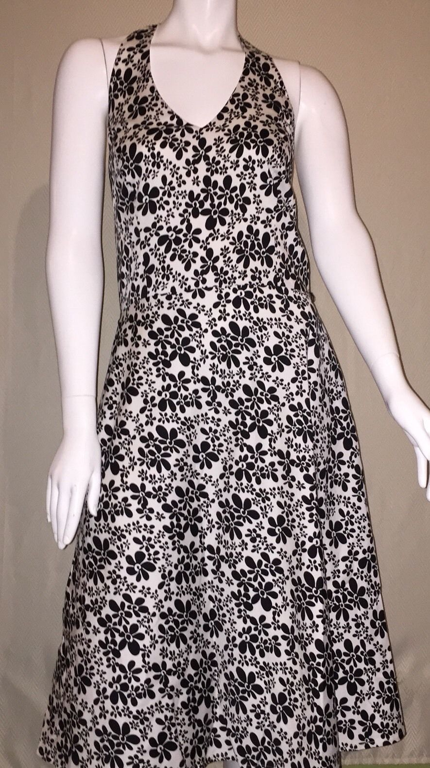 Black and white floral dress 2018