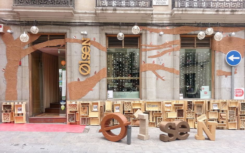 DECORACCION 2013, Madrid http://www.espaciodeco.com/estancias/instalaci%C3%B3n-escaparatismo