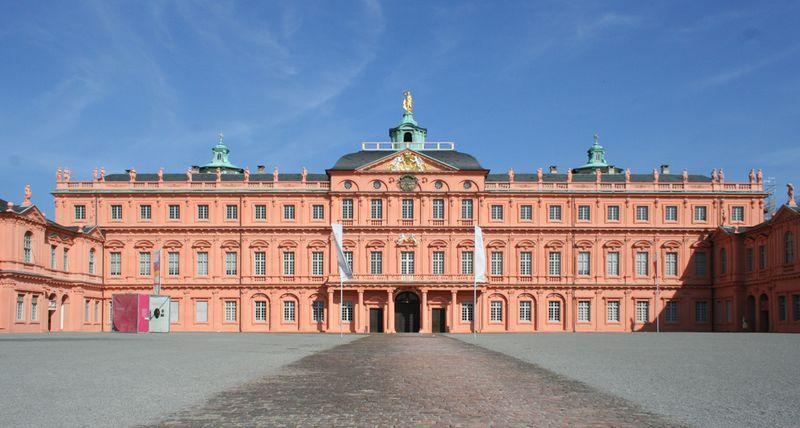 Rastatt Residenzschloss Des Markgrafen Von Baden Mit Bildern Burg Schloss Burgen Und Schlosser