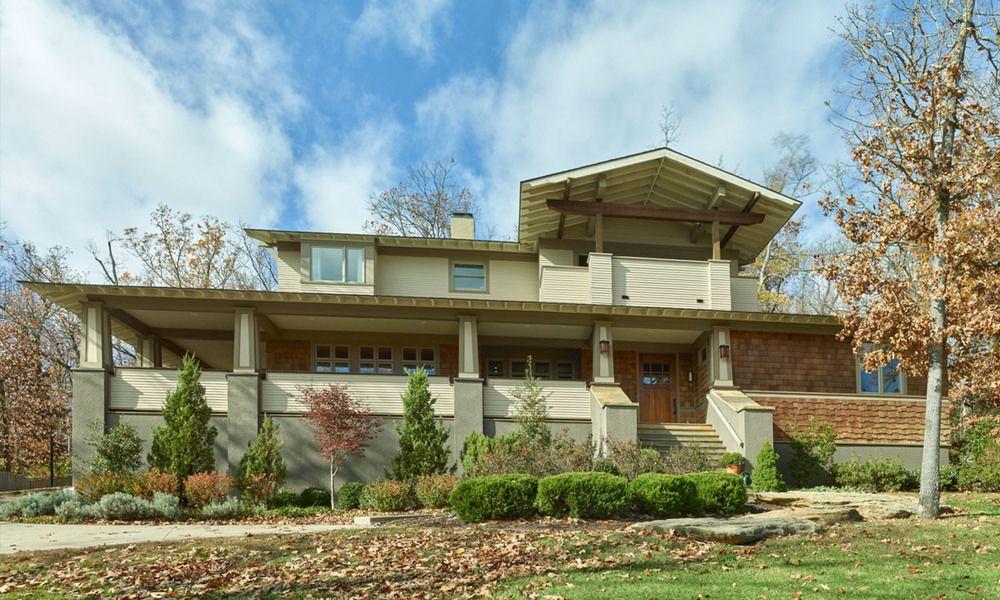 Beautiful custom modern/craftsmen home for sale in