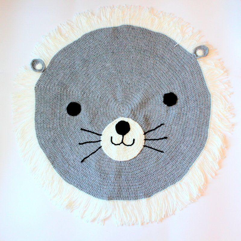 Alfombra leon gris tejida a mano alfombra trapillo for Alfombra redonda gris