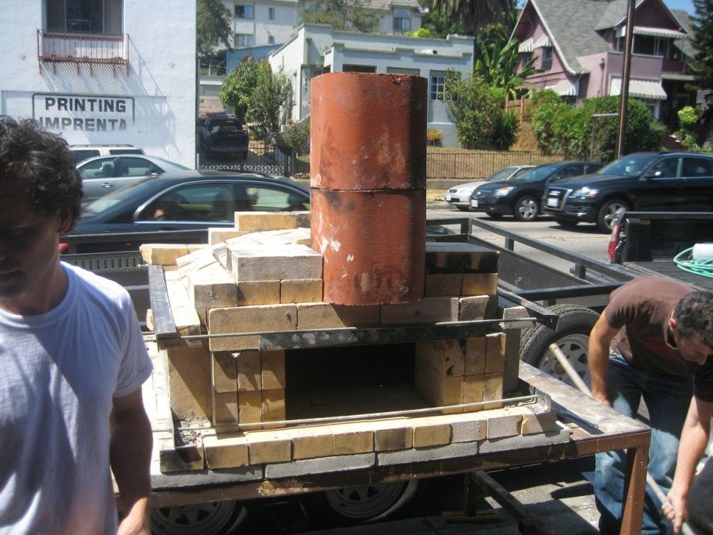 How to Build a Temporary Wood-fired Brick Pizza Oven With ...