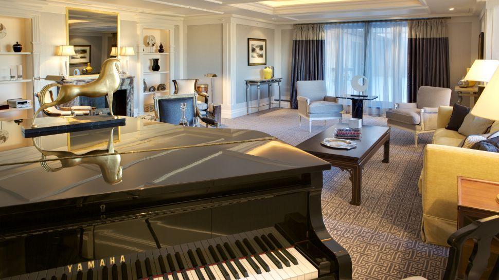 Piano room on pinterest 328 images on piano room grand for Hoteles de lujo en espana ofertas