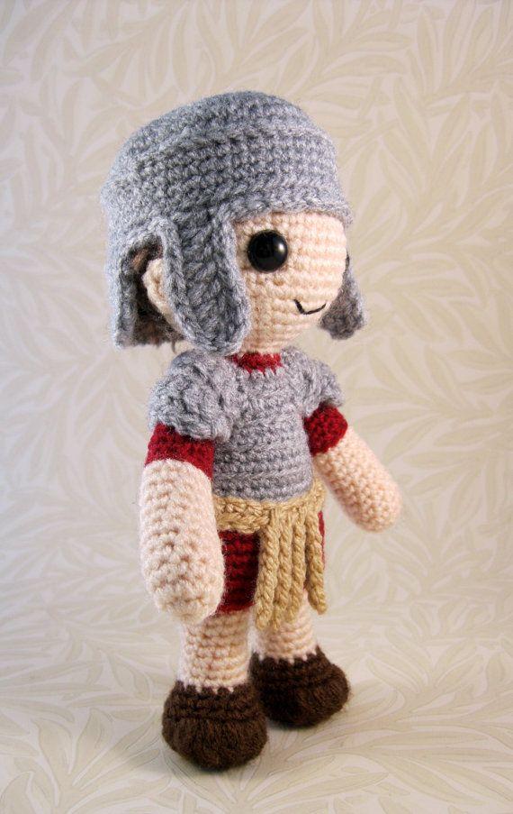 Etsy Amigurumi Patrones : Soldado romano patron Amigurumi PDF por lucyravenscar en ...