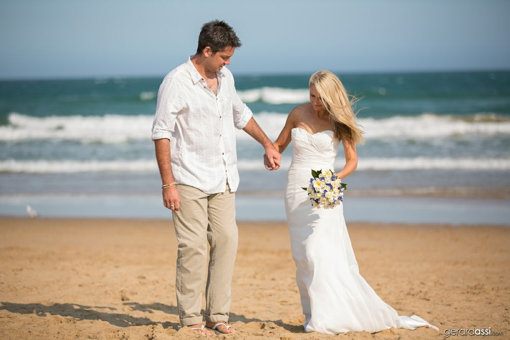 Real Weddings Melbourne: Shannon & Stuart's Jan Juc Beach Wedding With By Gerard