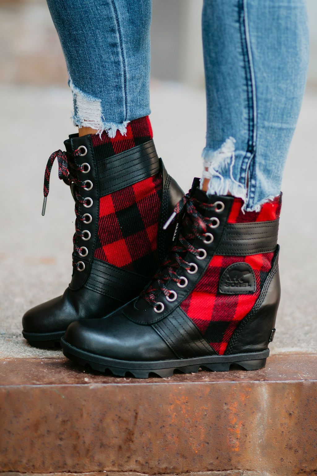 Wedge boots outfit, Winter leather boots
