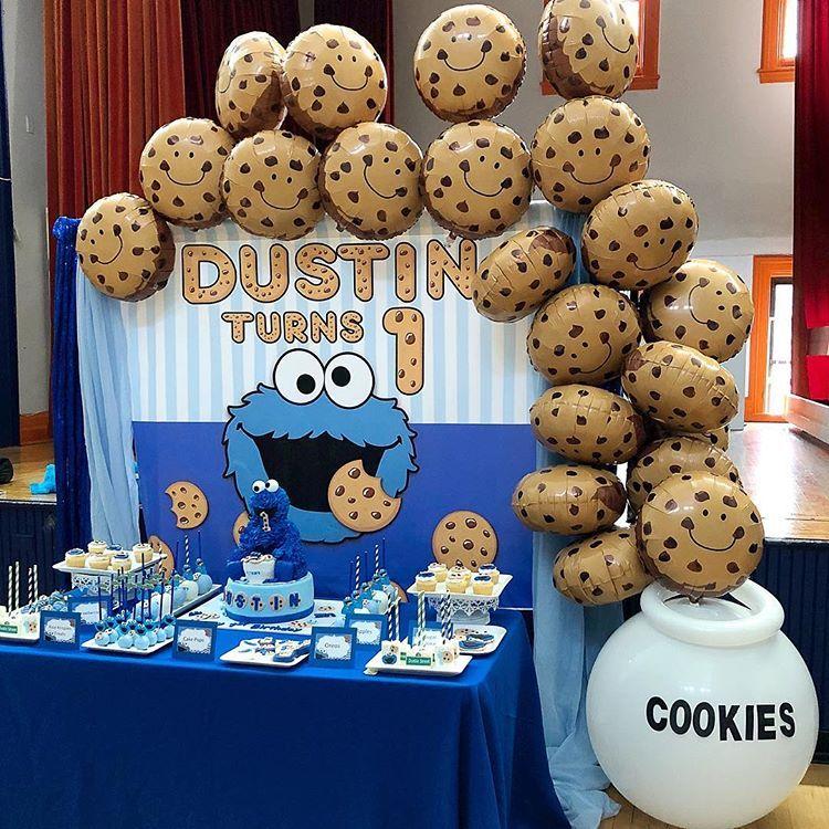 Poparazzi Balloons En Instagram Me Love Cooooookies In My Cookie Mo Cookie Monster Birthday Party Cookie Monster Party Cookie Monster Party Decorations
