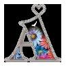 Alfabeto de flores en cuentas con corazones.