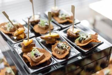 Recette de Canapé mousse de foie gras, magret fumé et noix facile et rapide