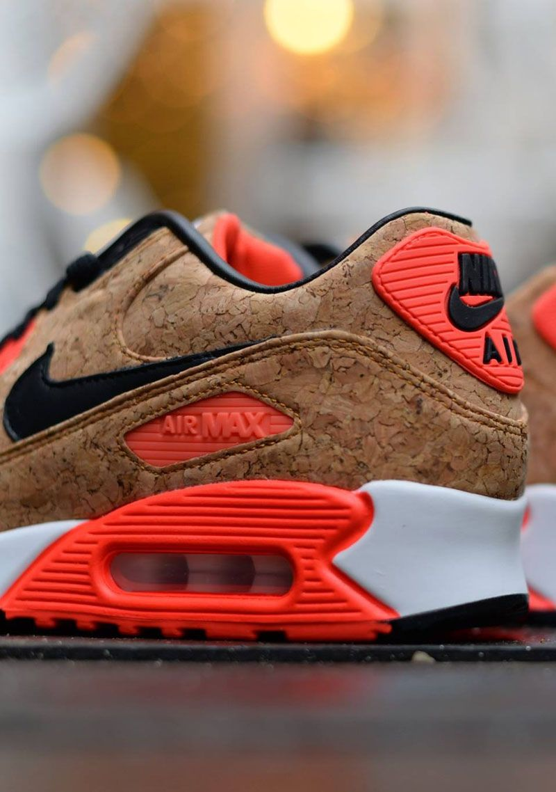 Cork uppers on a classic #airmax90 #nike #cork | hombre
