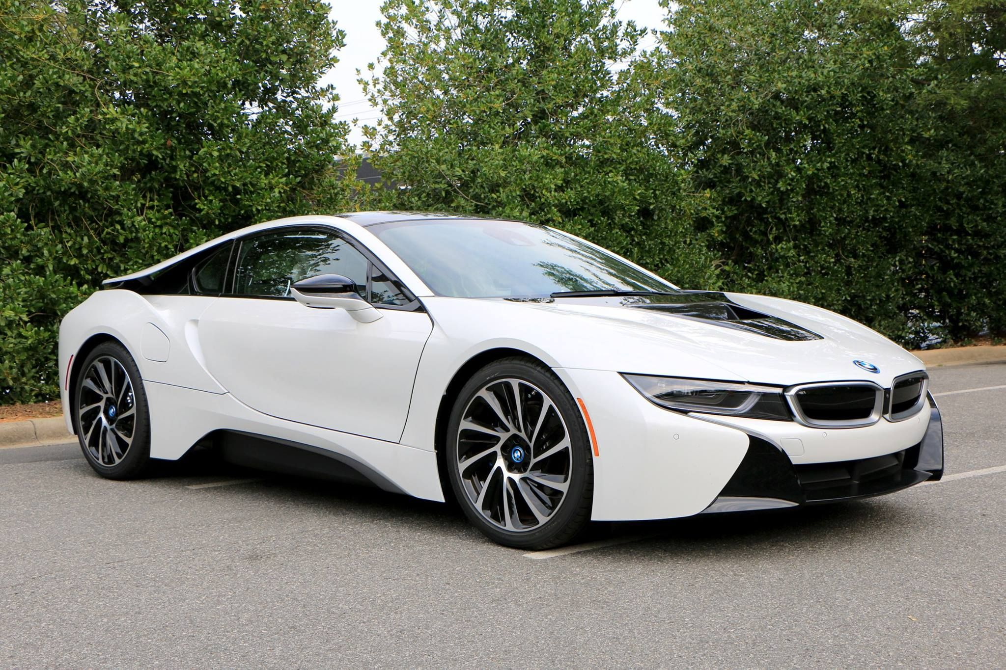 2016 BMW i8  Confused about what to buy Call 1800CARSHOW for