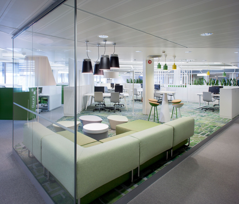 Licht Büro offene strukturen glaswände und viel licht machen dieses open space