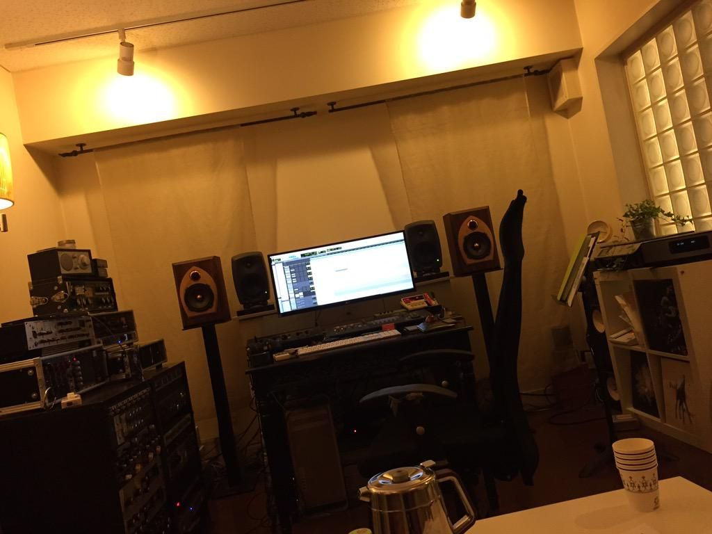 Second song ended § \ and (^ o ^) / huge amount cool! ! GENELEC Yappa good sound ☆