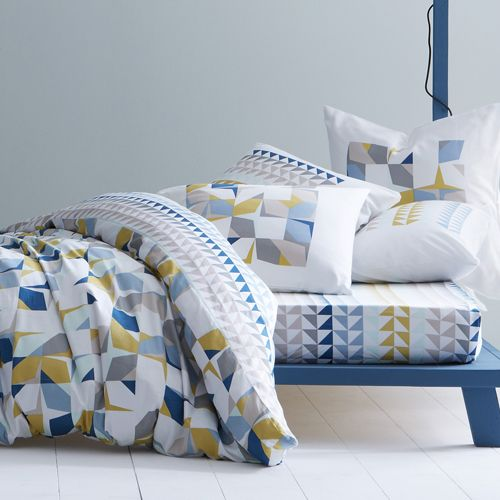 housse couette linge lit petits motifs geometrique bleu gris jaune blanc le linge. Black Bedroom Furniture Sets. Home Design Ideas