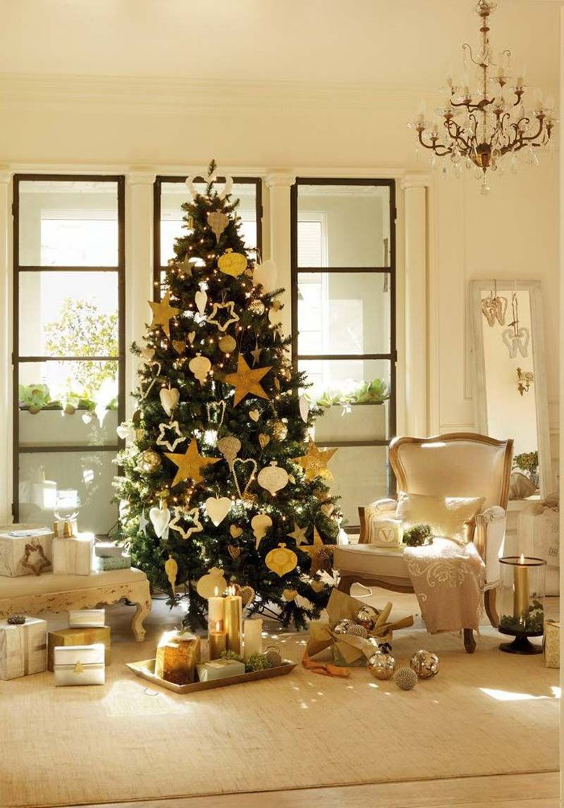 Christmas tree decorations gold - Fair Sweet Living Room Interior Design With Fabulous White And Yellow Christmas Decor Use J
