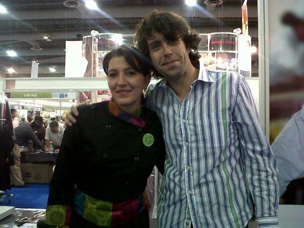 Con Chef Josefina Santa Cruz  https://www.facebook.com/photo.php?fbid=373788066033158=pb.119318758146758.-2207520000.1349928740=1