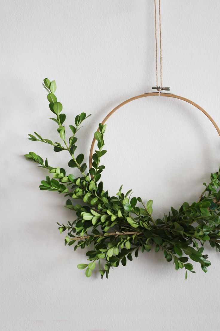 Photo of Minimal DIY Wreath Ideas Anyone Can Make Idle Hands Awake