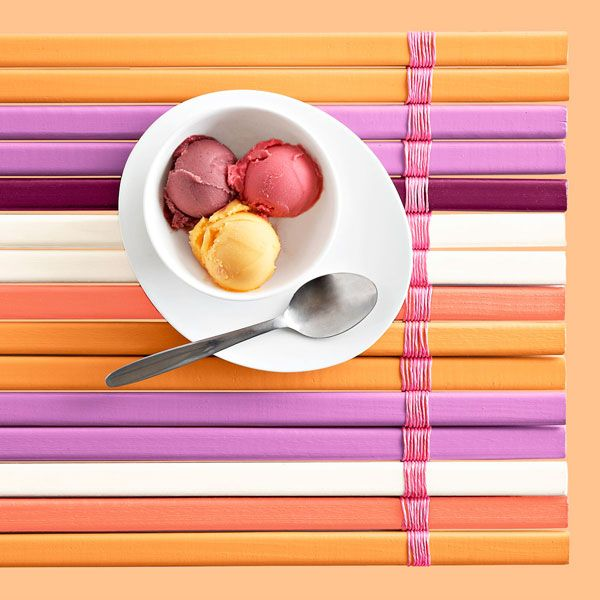 Want an easy way to spice up mealtime? Make this DIY place mat that mimics the look of slatted wood window blinds.