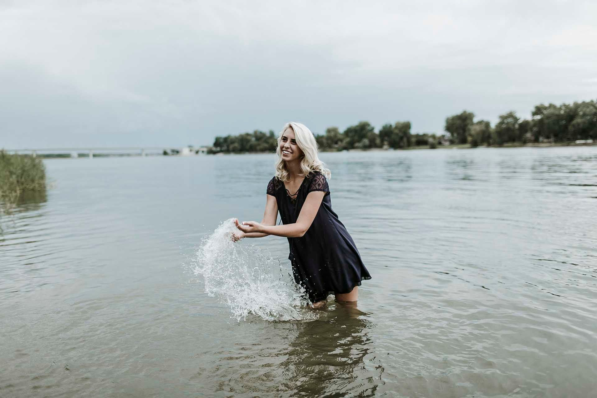 Modern senior photos outdoors at the river! Senior