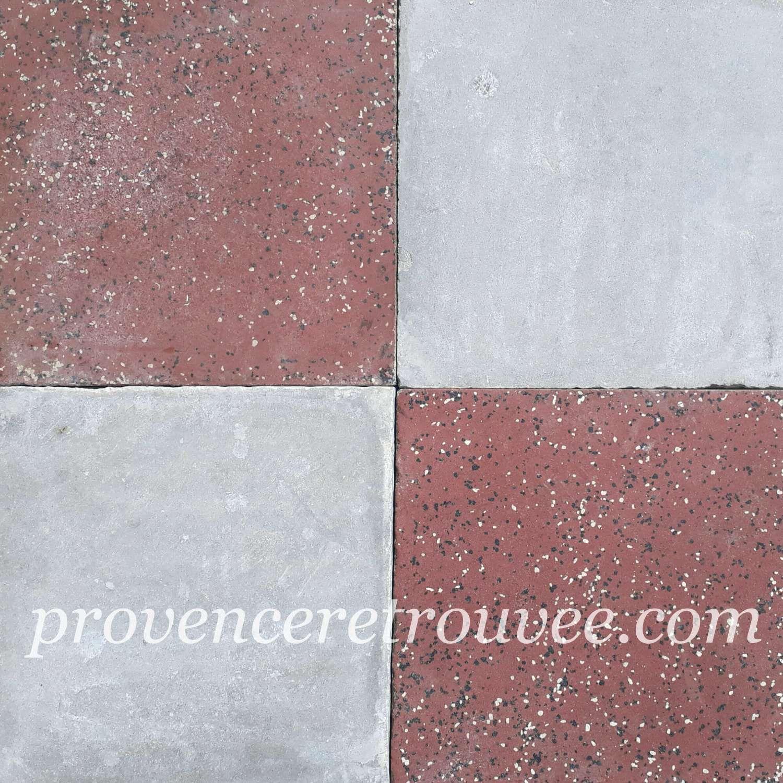 Carrelage Damier Ancien En Ciment Rouge Bordeaux Et Gris Clair
