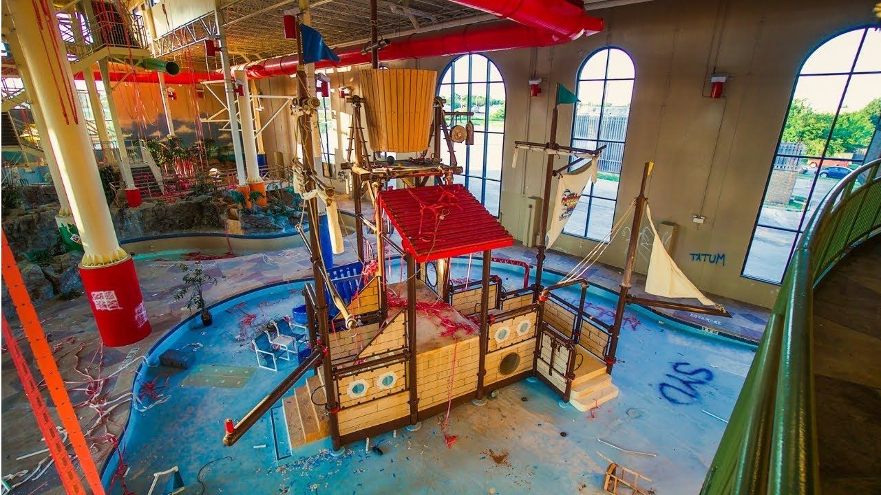 Abandoned Indoor Water Park Resort Hotel Indoor Water Park Resorts Indoor Waterpark Water Park
