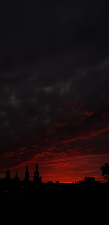 Took this picture of a sunset in Dresden, Germany. Really proud of this one