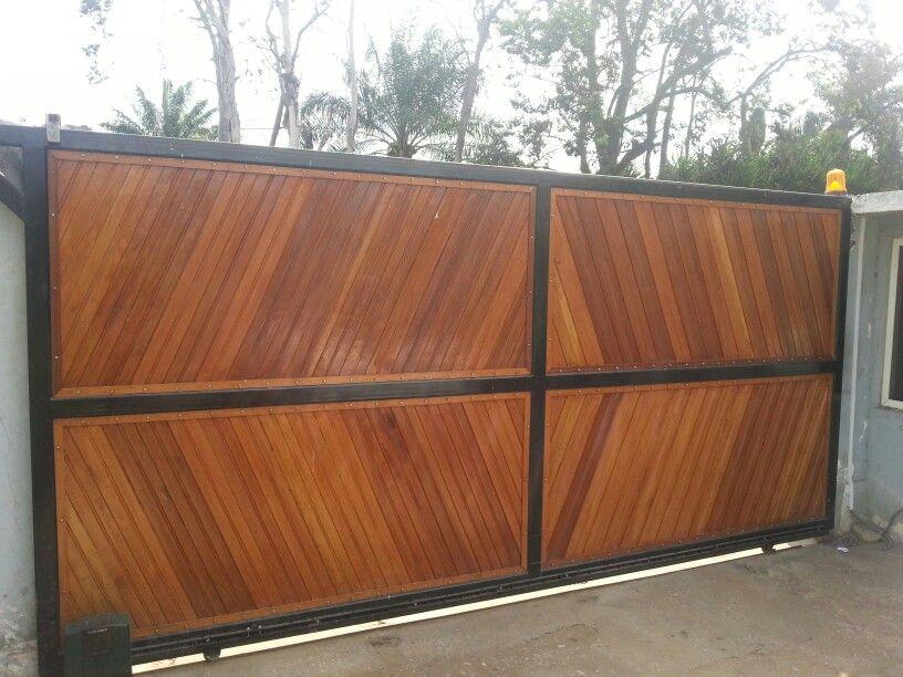portail en bois coulissant board pinterest puertas barandales y cercos. Black Bedroom Furniture Sets. Home Design Ideas