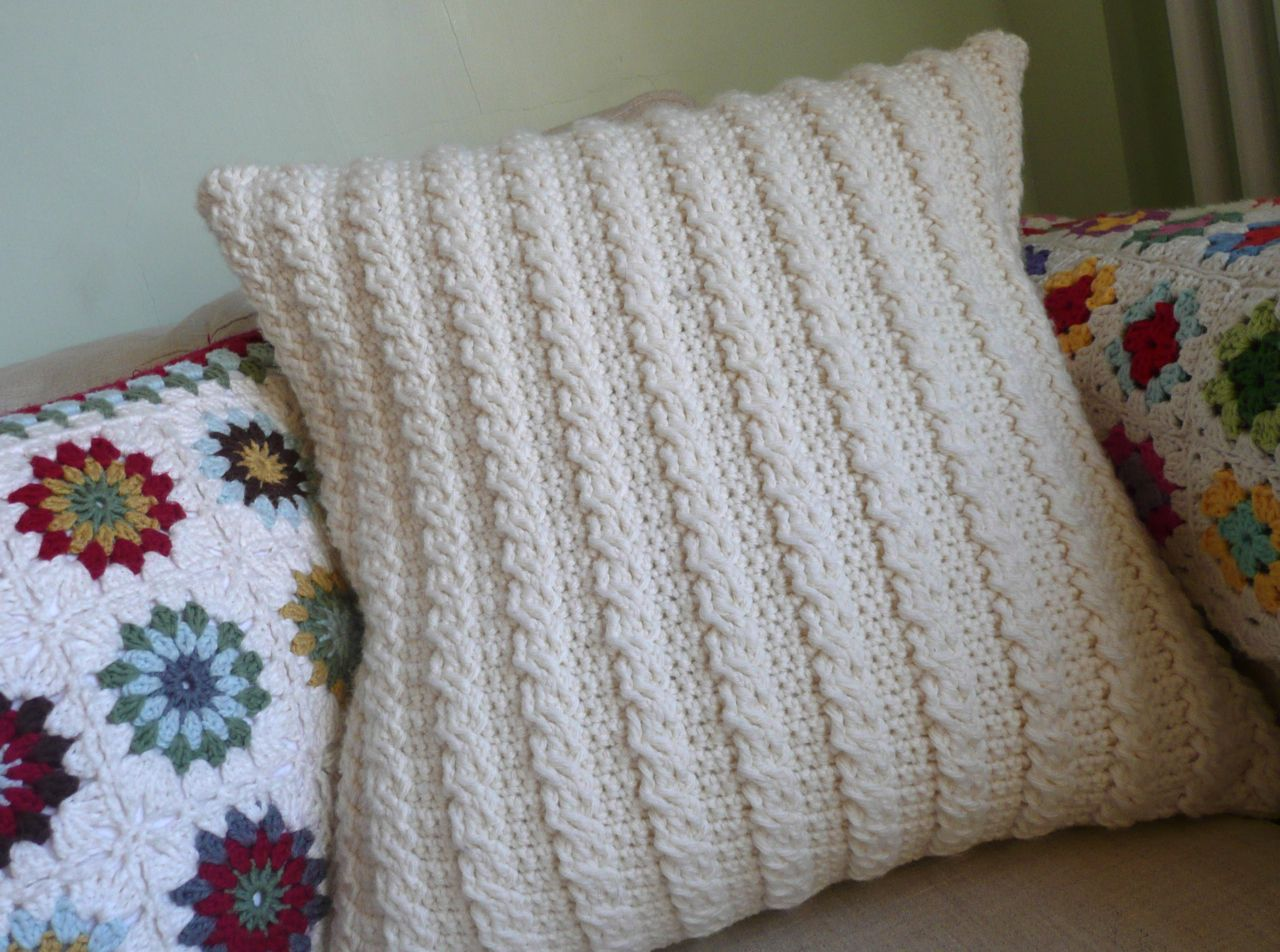 How to crochet cable pattern. Tutorial by YarnRoundHook.