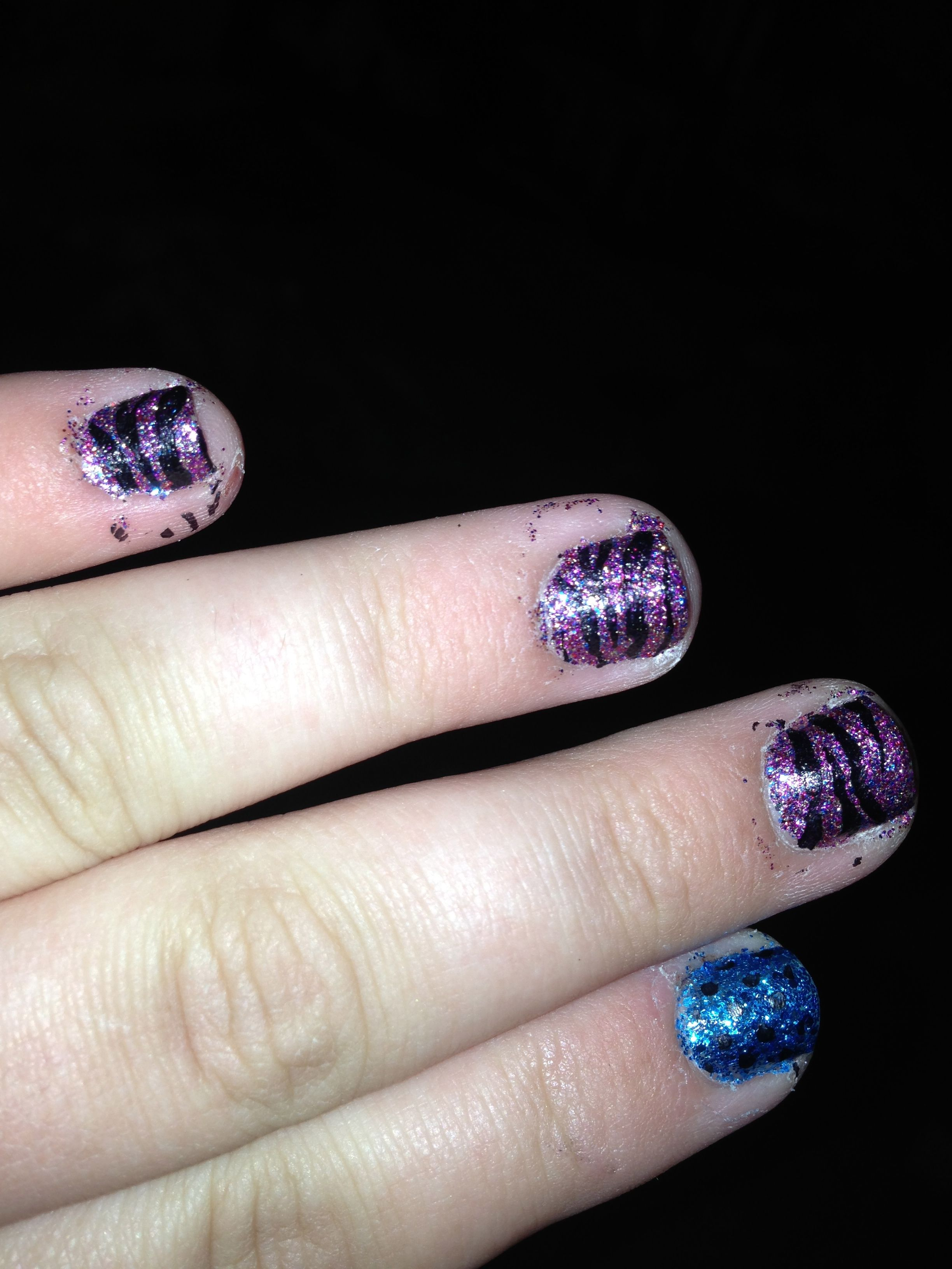 Using my Salon Express Nail Stamping Kit, I stamped Kiss Nail Art ...
