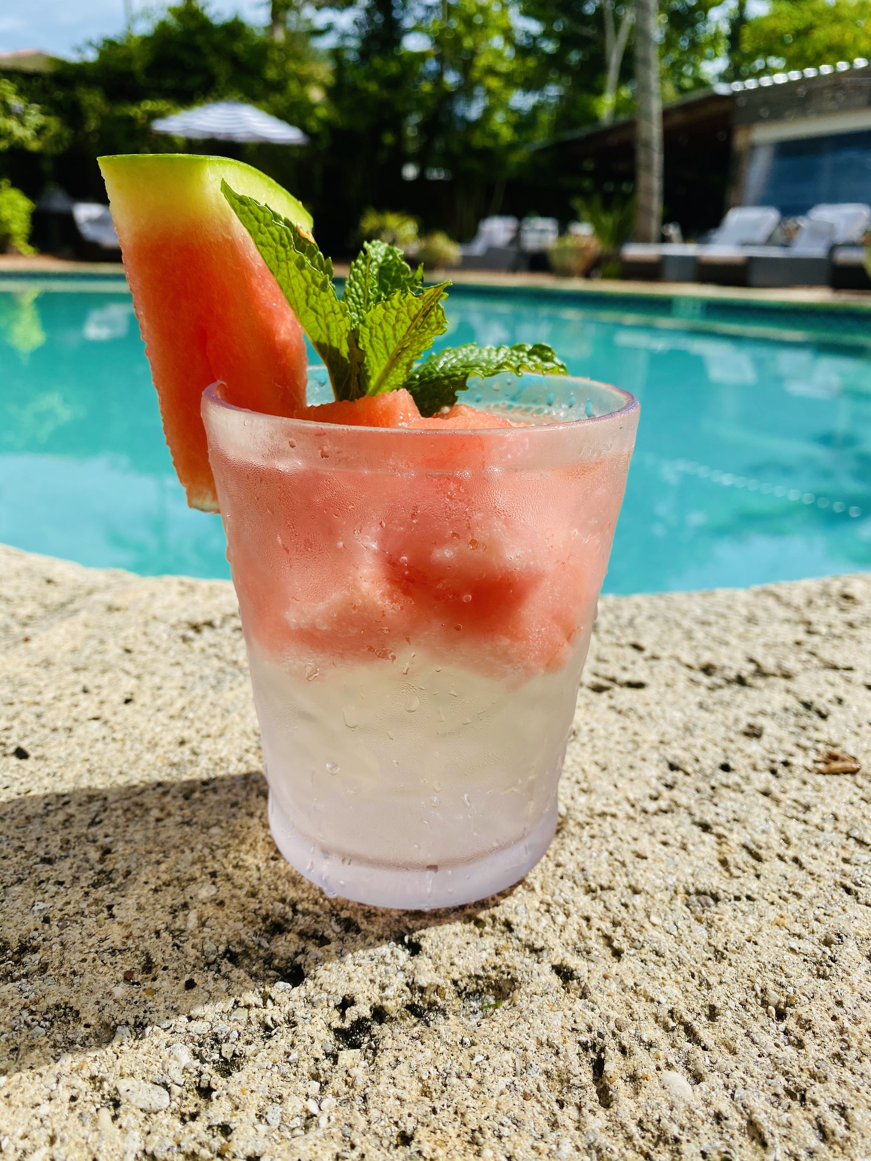 🍉🍸 Watermelon Vodka Martini. #EscapeEscalante and enjoy a refreshing drink poolside. ~ ~ ~ #summer #vacation #travel #cocktail #hiddenoasis #naples #drinks #hoteldeals #courtyard #getaways #beach #happyhour #downtownnaples #swflfoodies #escalantehotel #5thavesouth #foodies #foodlover #escape #summervibe #placetobe