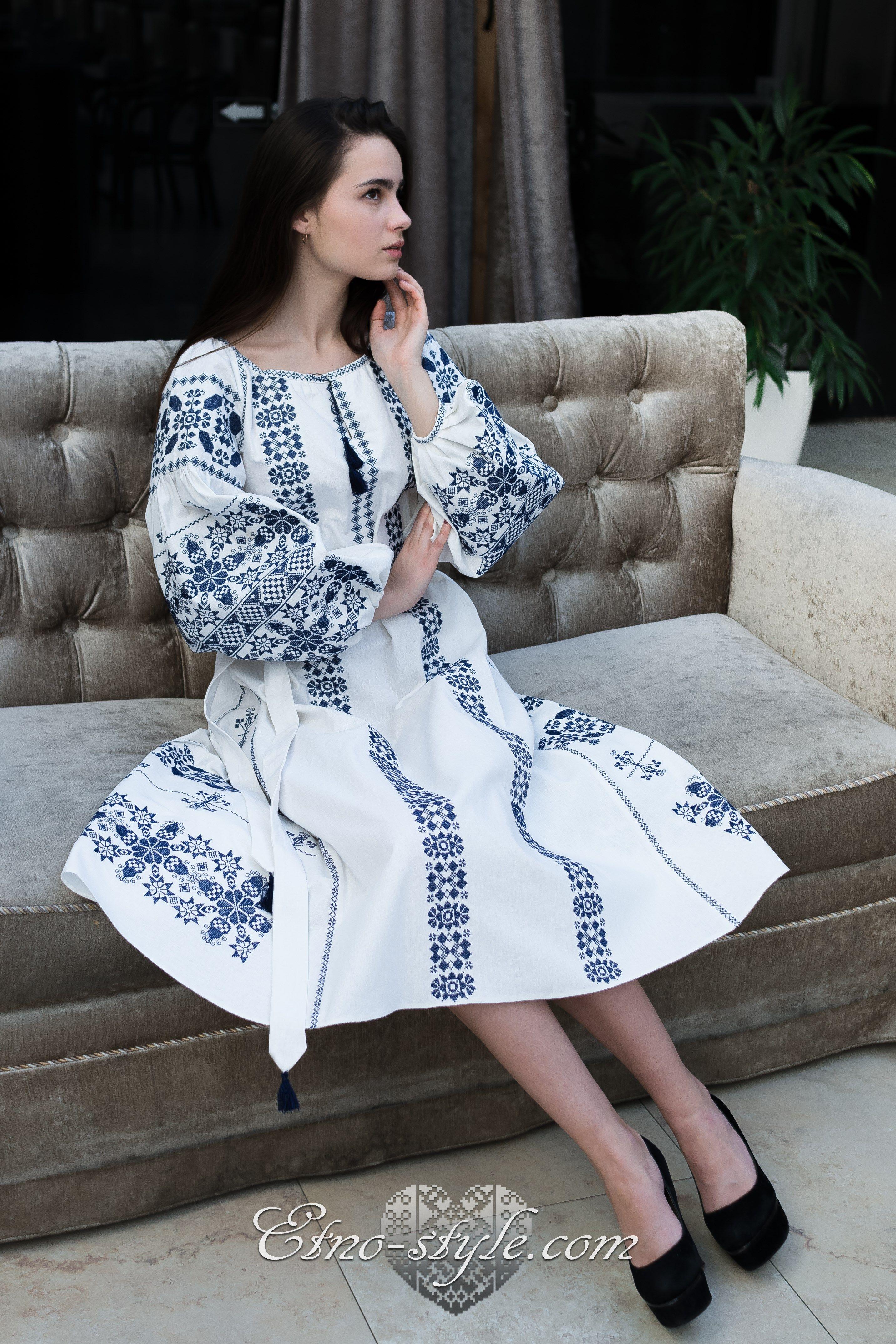1376c162de0a20 Жіночі вишиті плаття Богемія. Знижки до 50% | Вишиванки | Сукні ...