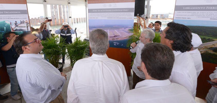 Duarte de Ochoa expresó su agradecimiento al presidente Enrique Peña Nieto su respaldo, al manifestar que esta obra, aunada a las realizadas en Tuxpan, significan grandes beneficios para todos los veracruzanos.