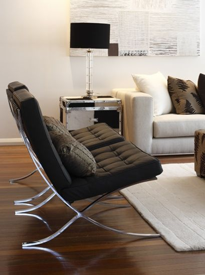 Knoll barcelona chair by ludwig mies van der rohe home inspo for Barcelona chair living room ideas