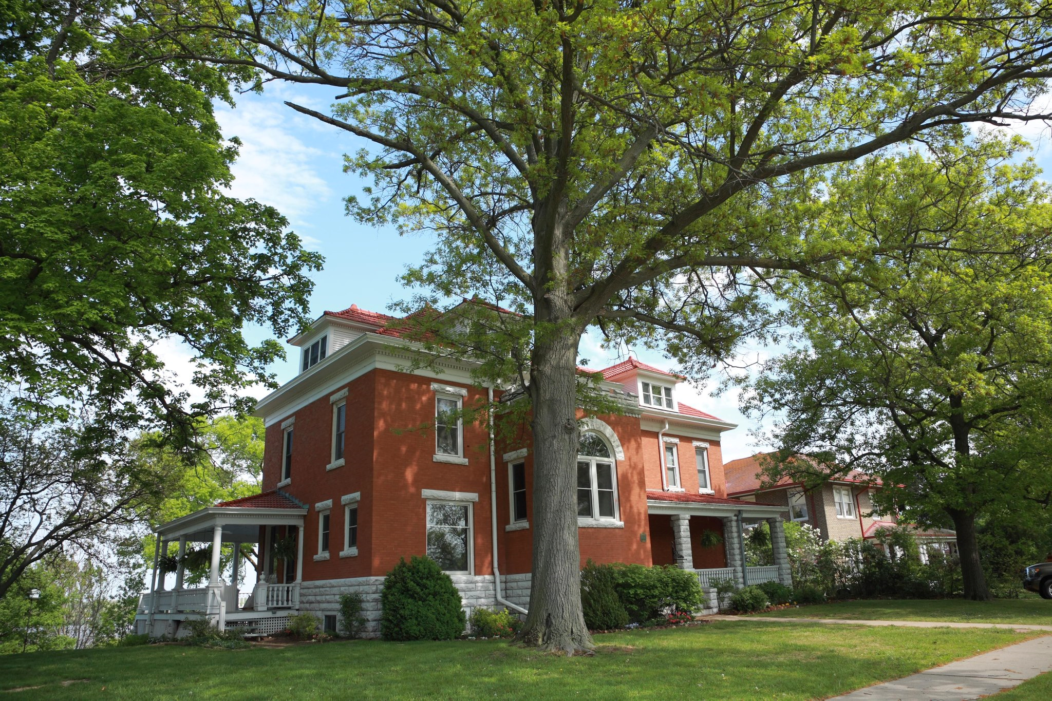 1902 Renaissance Revival Mansion Overlooking Mississippi River In Keokuk Iowa Historic Mansion Historic Home Historic Homes For Sale