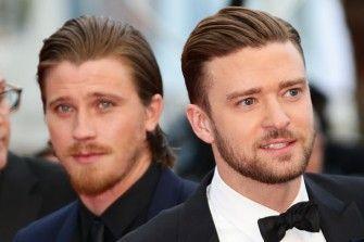 Manner Setzten Auf Gel Frisuren Der Retro Wet Look Wie Ihn Justin Timberlake Matt Damon Leonardo Dicaprio Und Co Tragen Ist Manner Frisuren Frisuren Mann