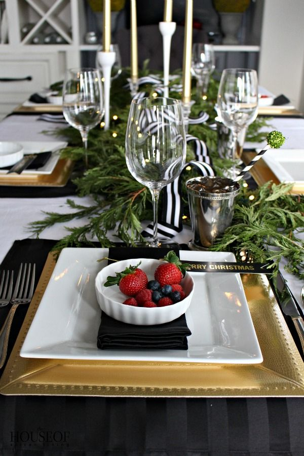 Elegant Holiday Tablescape The House Of Silver Lining Holiday Tablescapes Gold Holiday Table Christmas Tablescapes