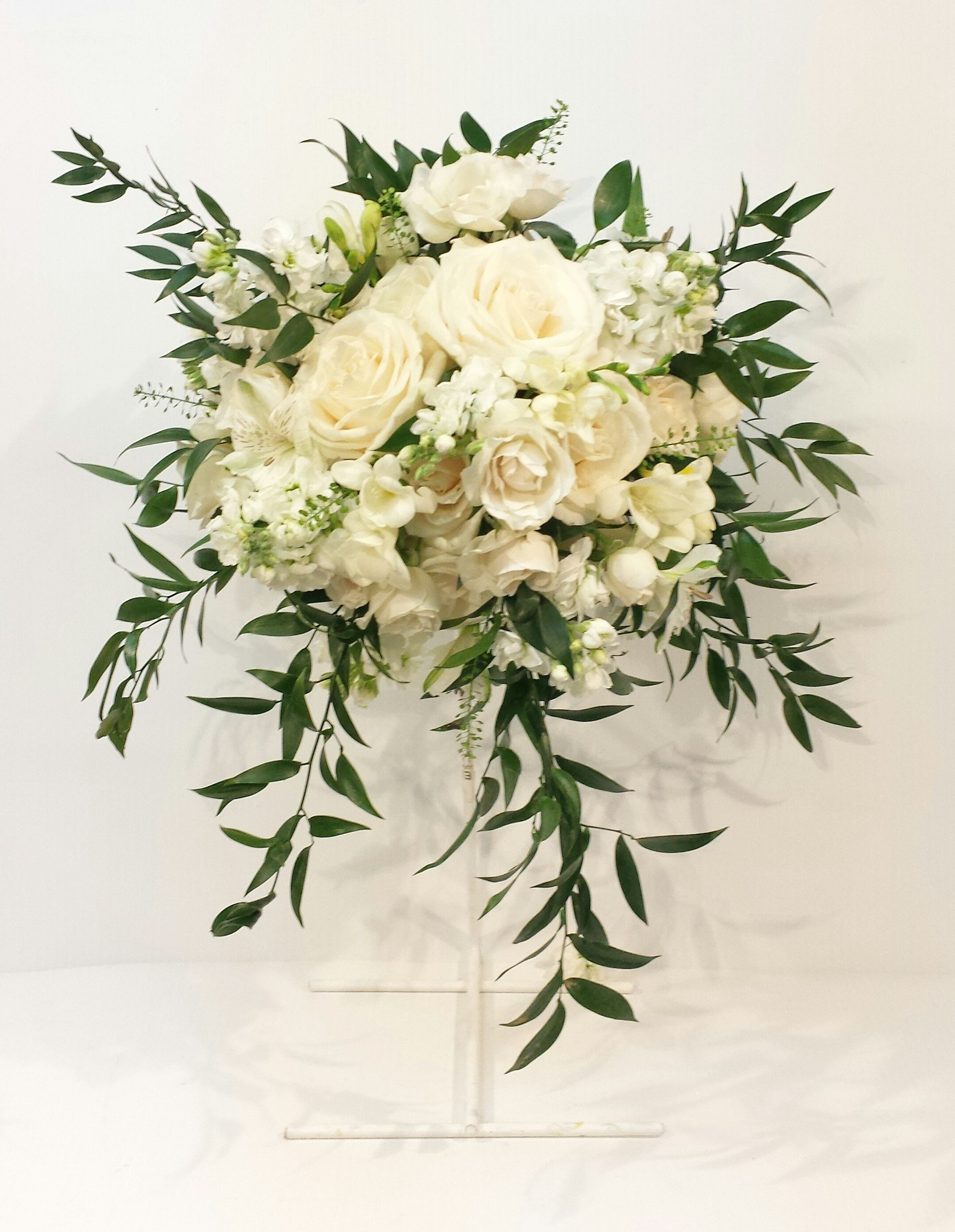 Calgary wedding flowers florist real inspiration cream ivory white calgary wedding flowers florist real inspiration cream ivory white champagne green bridal party bouquets dahlia floral dhlflorist Image collections