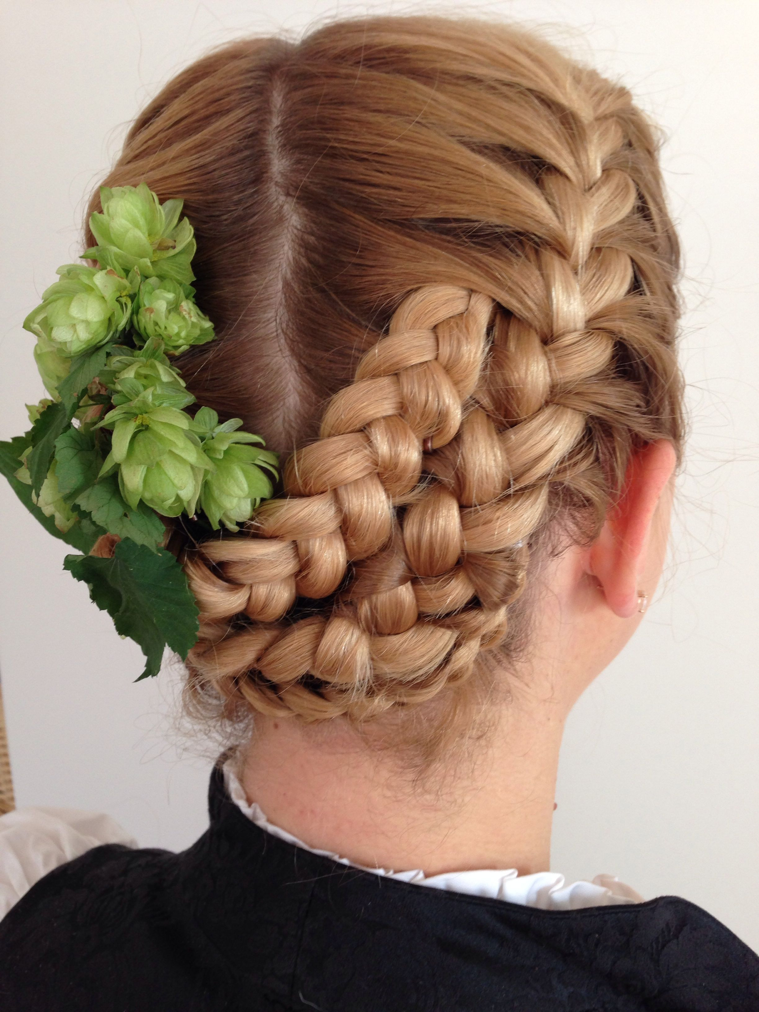 Cloudy S Dirndl Braids 4 Frisuren