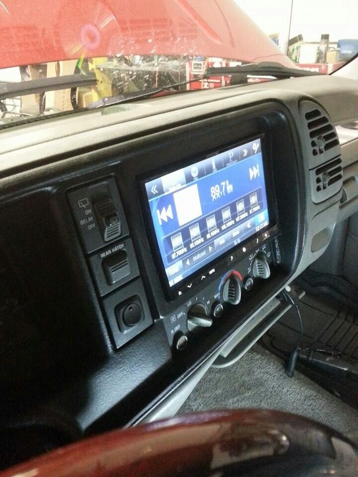 Custom System 2001 Suburban Chevy Tahoe Interior 2 Door Red Wagon