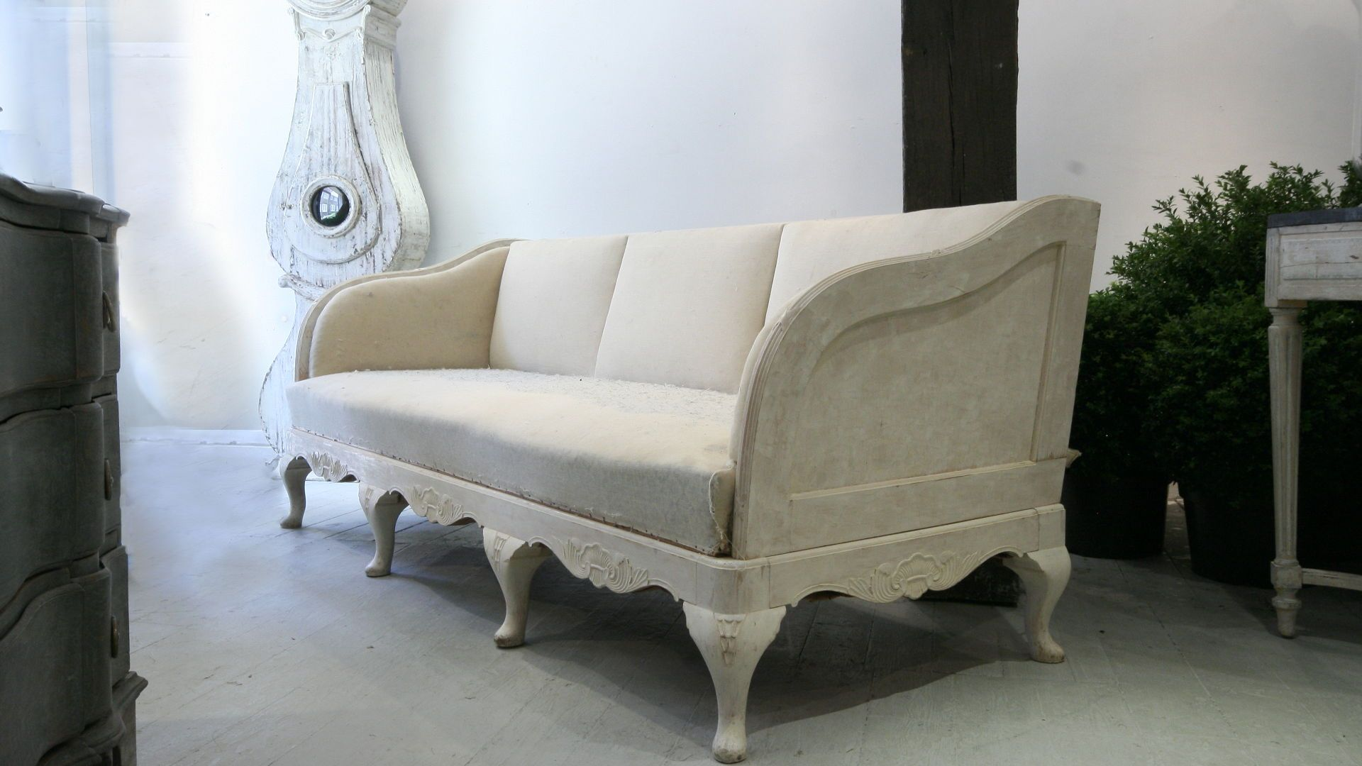 19c Swedish Sofa With Cabriole Legs And Exposed Wood Frame