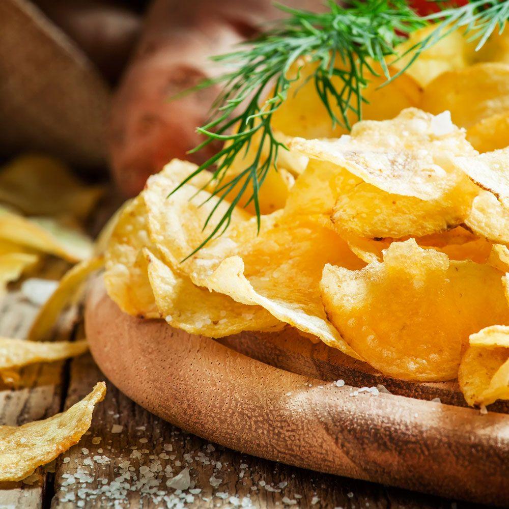 ¿Alguna vez has cocinado tus propias patatas fritas de bolsa? ¡Es muy fácil! Te enseñamos en guiainfantil.com http://www.guiainfantil.com/recetas/patatas/receta-de-patatas-fritas-o-chips-de-bolsa/