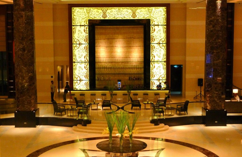 Amazing Luxury And Elegant Hotel Lobby Design With Classic Room ...
