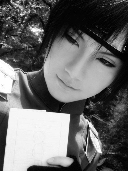Sai Cosplay!  From Naruto OMG Looks just like SAI!