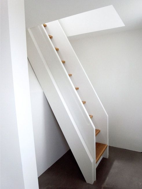saw h15 treppe zum spitzboden anbau 2 h15 diele. Black Bedroom Furniture Sets. Home Design Ideas