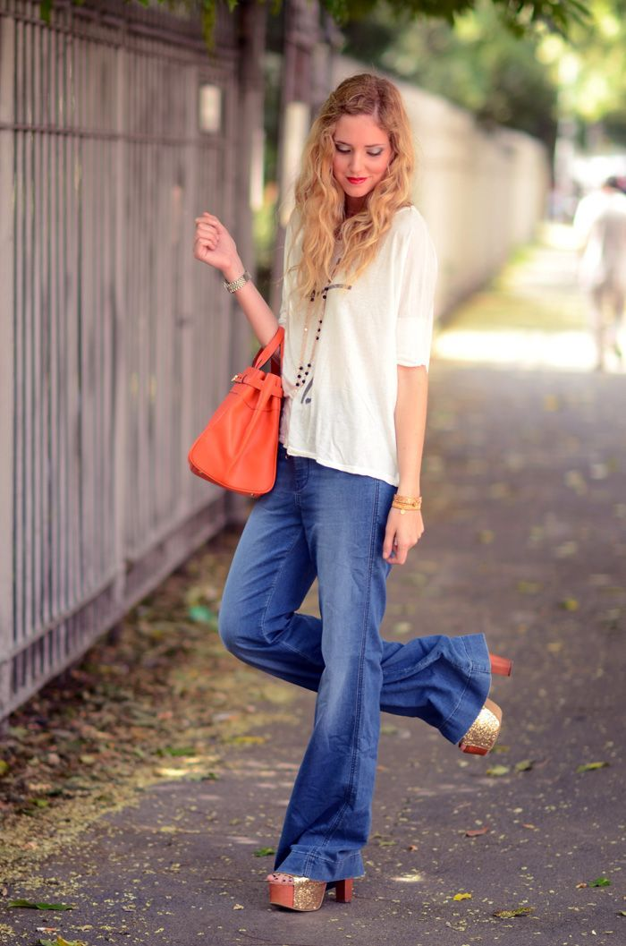 What Shoes to Wear with Flared Jeans