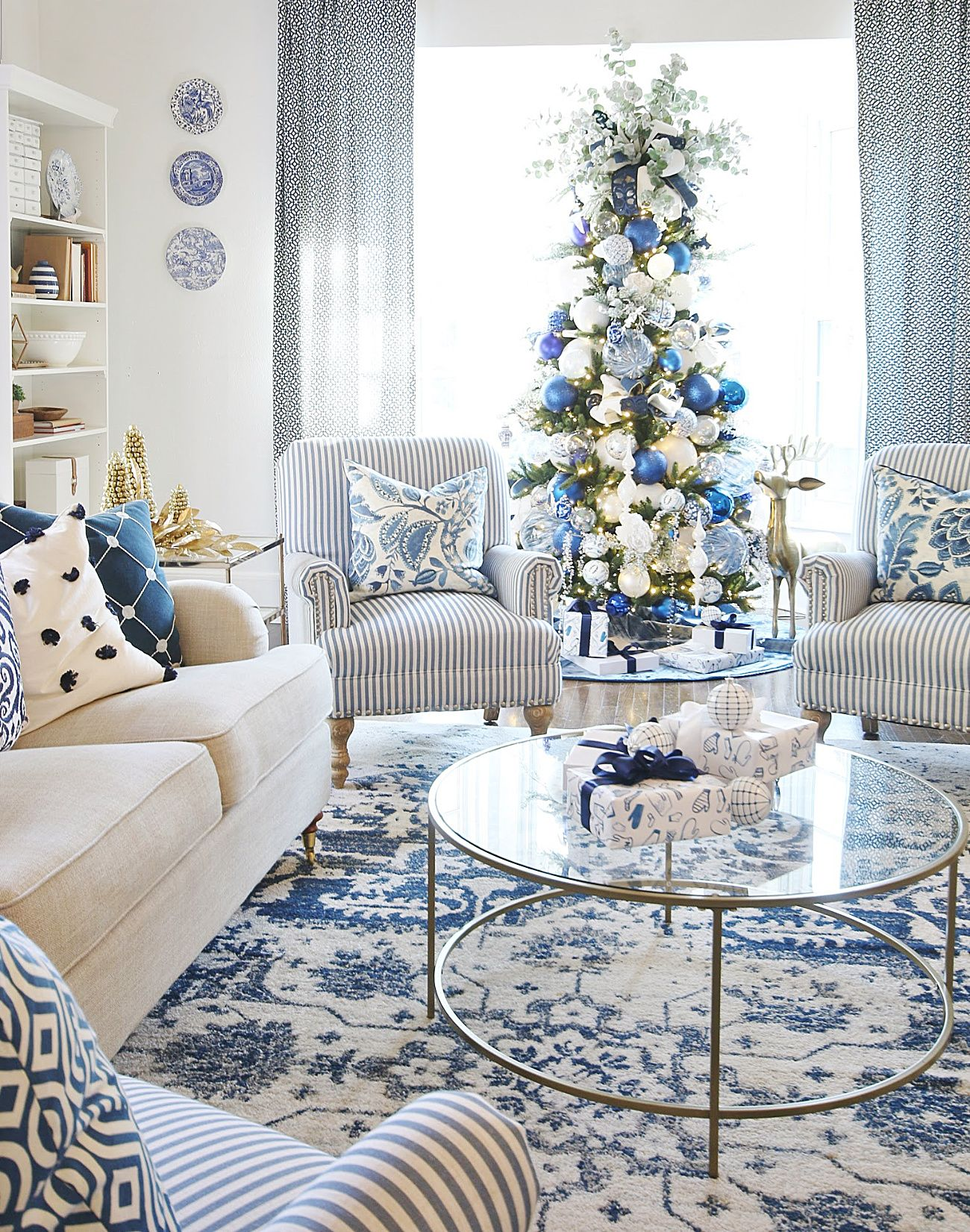 2019 Blue and White Christmas Decorating Tour - Thistlewood Farm