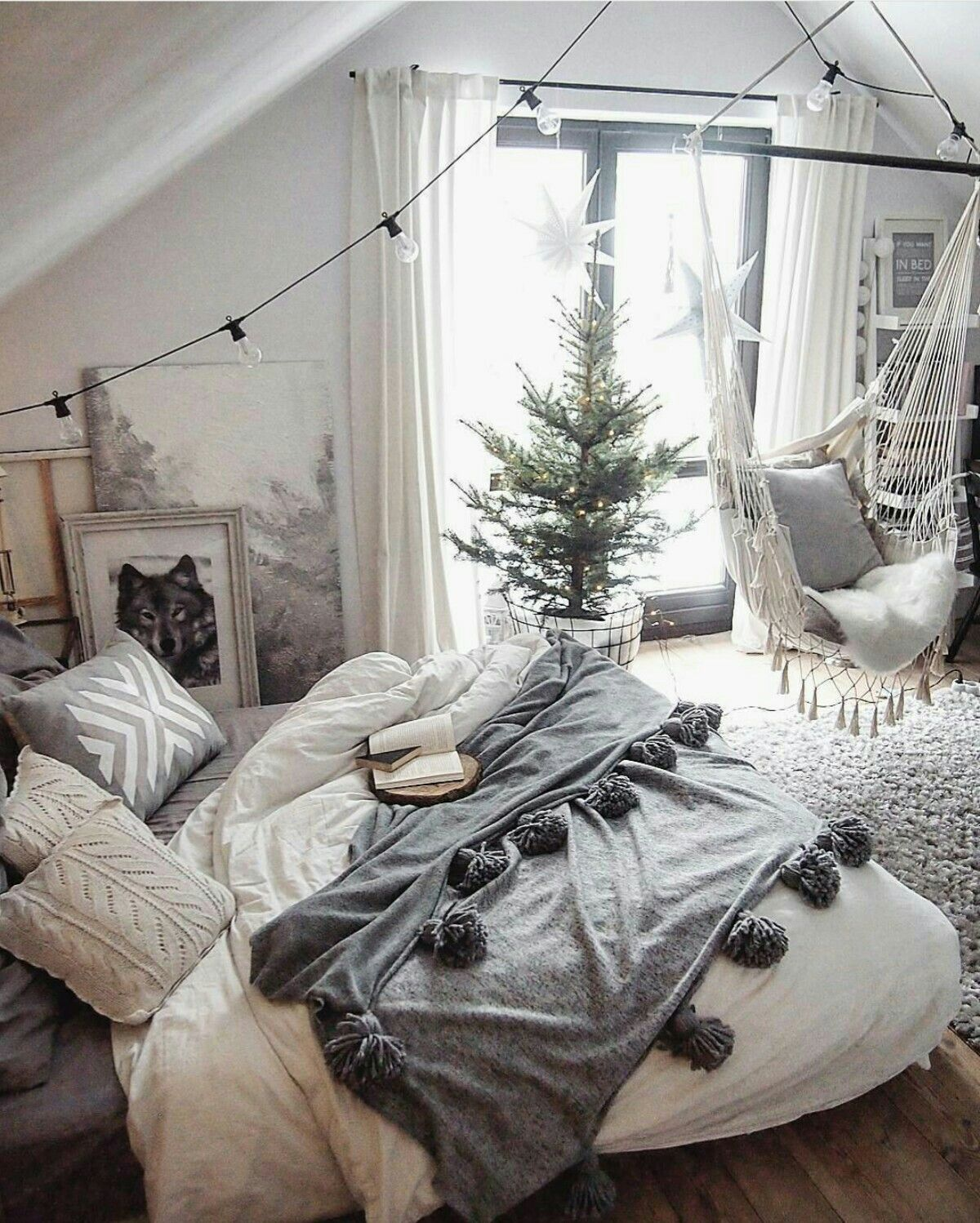 Cozy home decor for dorm rooms small apartments or cozy homes