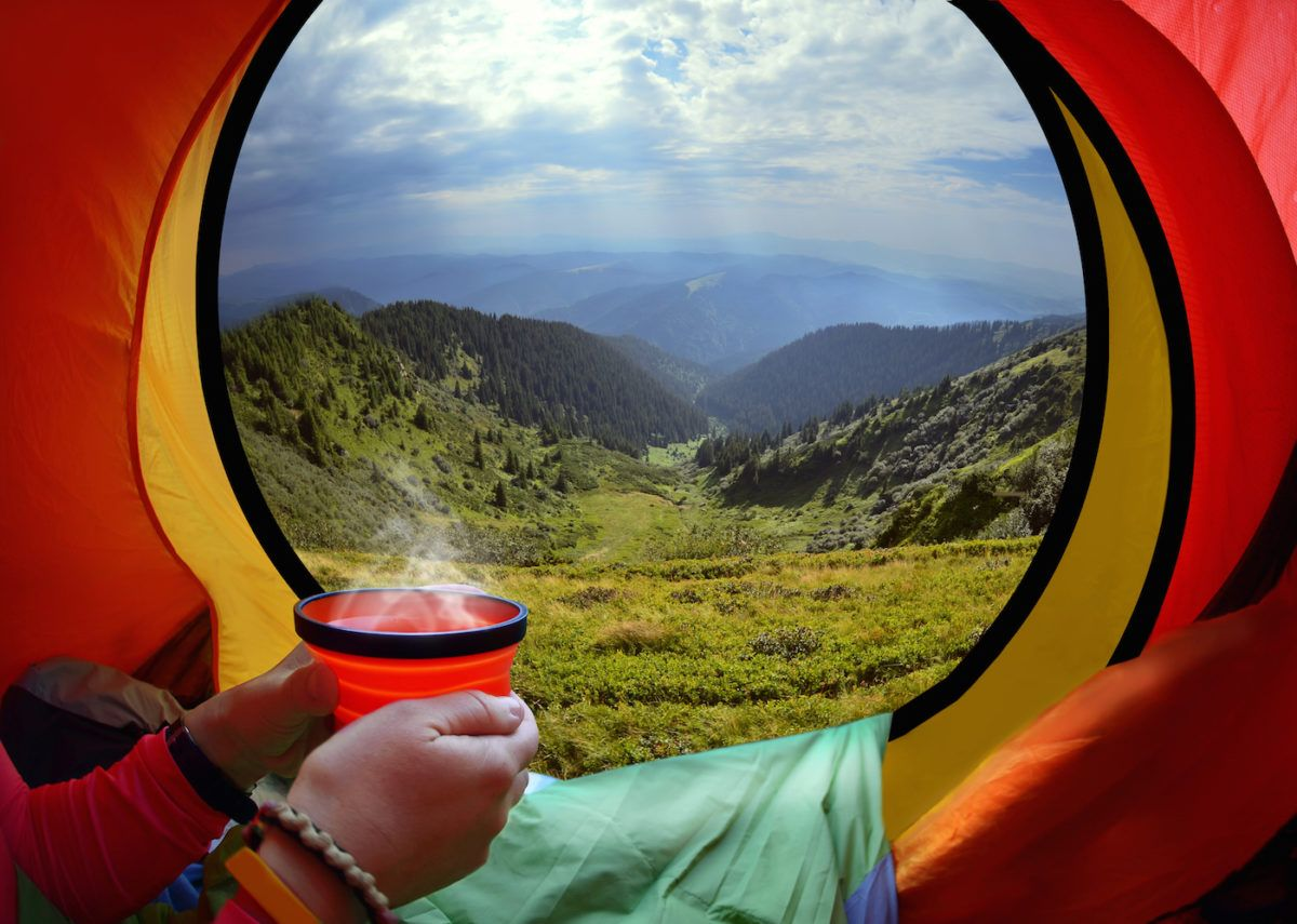 How to Stay Warm in a Tent: 12 Tips for a Cozy Night ...