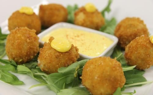 Spruce up your holiday celebration with these Italian Ricotta Cheese Fritters with Lemon Tarragon Aioli. Oh, yum!